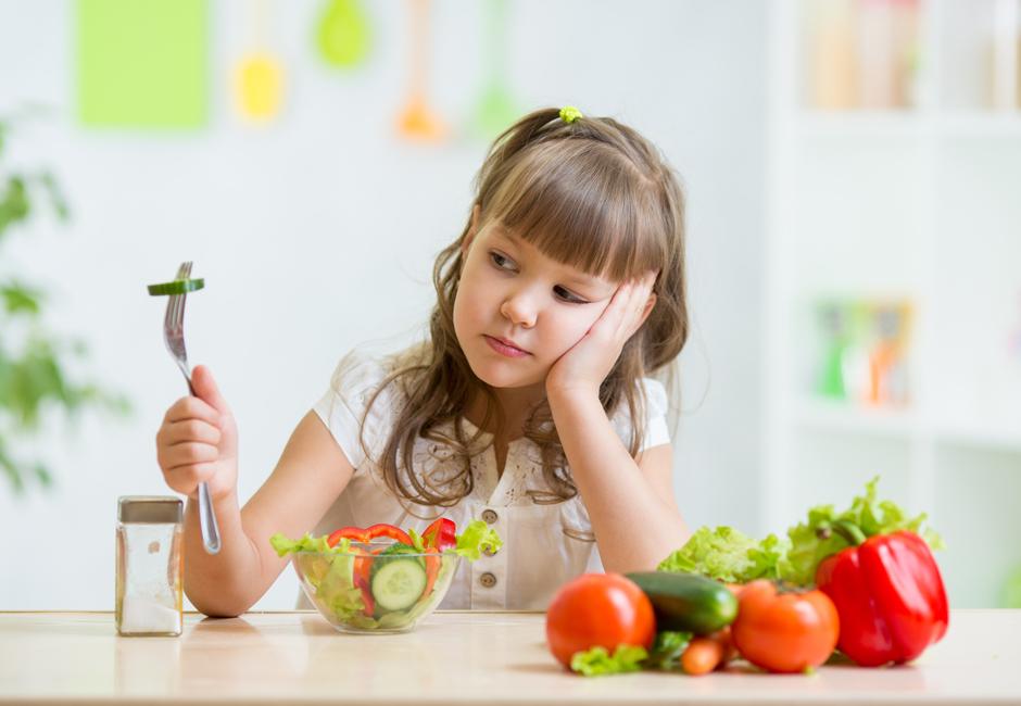 Nudging a tavola: un invito gentile a scelte più salutari