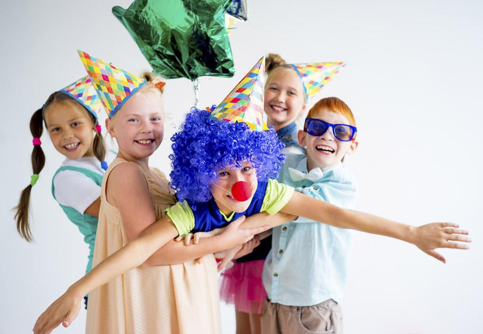 Party di carnevale con pera Angys
